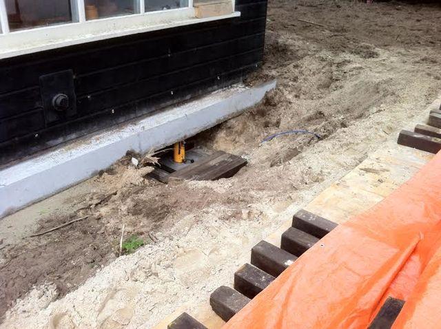 14-04-14 Opvijzelen van de betonvloer