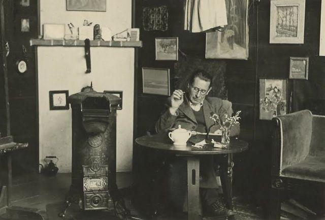04-04-1936 Theo Lohmann in zijn Atelier