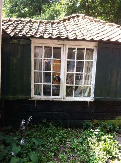01-08-13 Mondriaans raam, voor de restauratie.